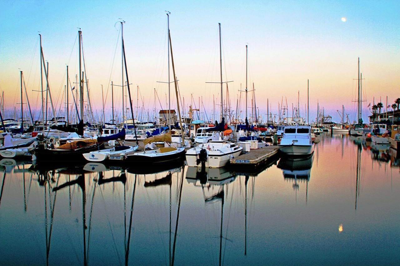 Harbor in Santa Barbara, California, Sailboats, Marina, Travel, Sailing