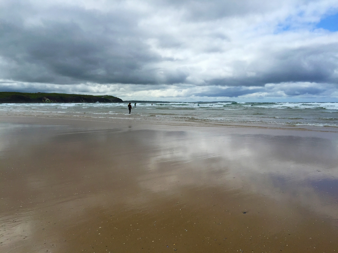 Tullan Strand surfing by Julie Miche
