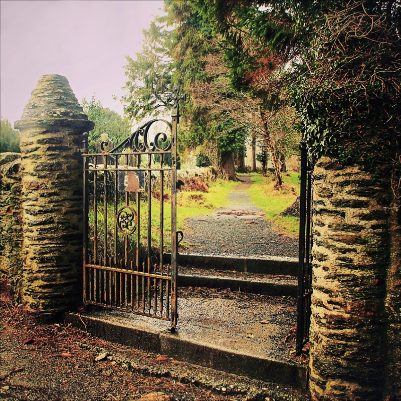 Glendalough Gates Monastic City Paddywagon Day Tour
