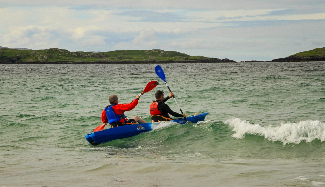 Ireland, Renvyle Beach kayakers