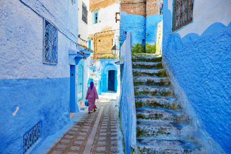 Beautiful blue medina of Chefchaouen, Morocco photo tour by Julie Miche