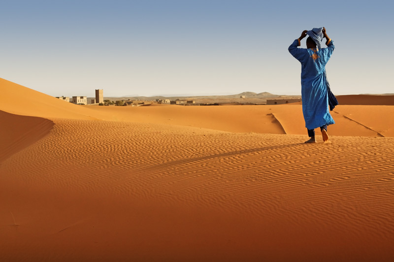 Berber man in Sahara desert, Morocco. photo tour by Julie Miche