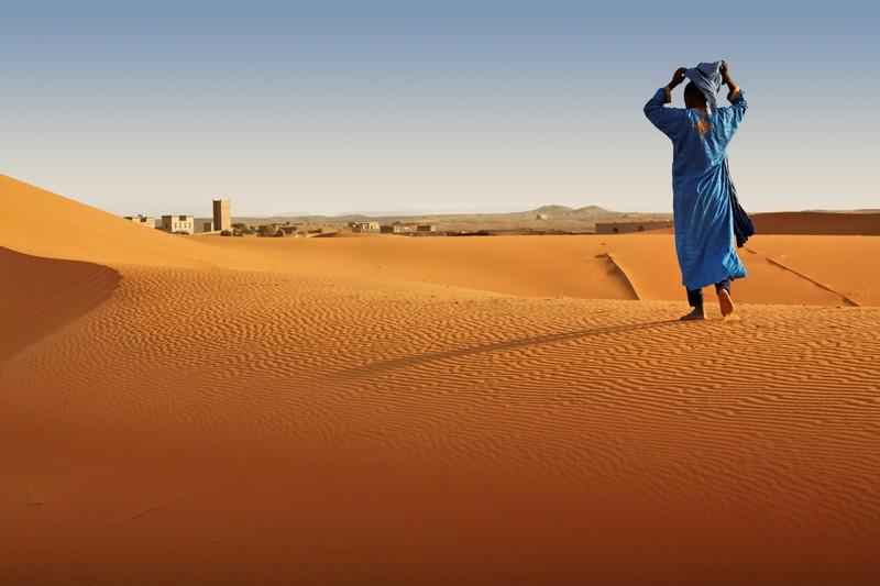 Berber man in Sahara desert, Morocco. photo tour by Julie Miche