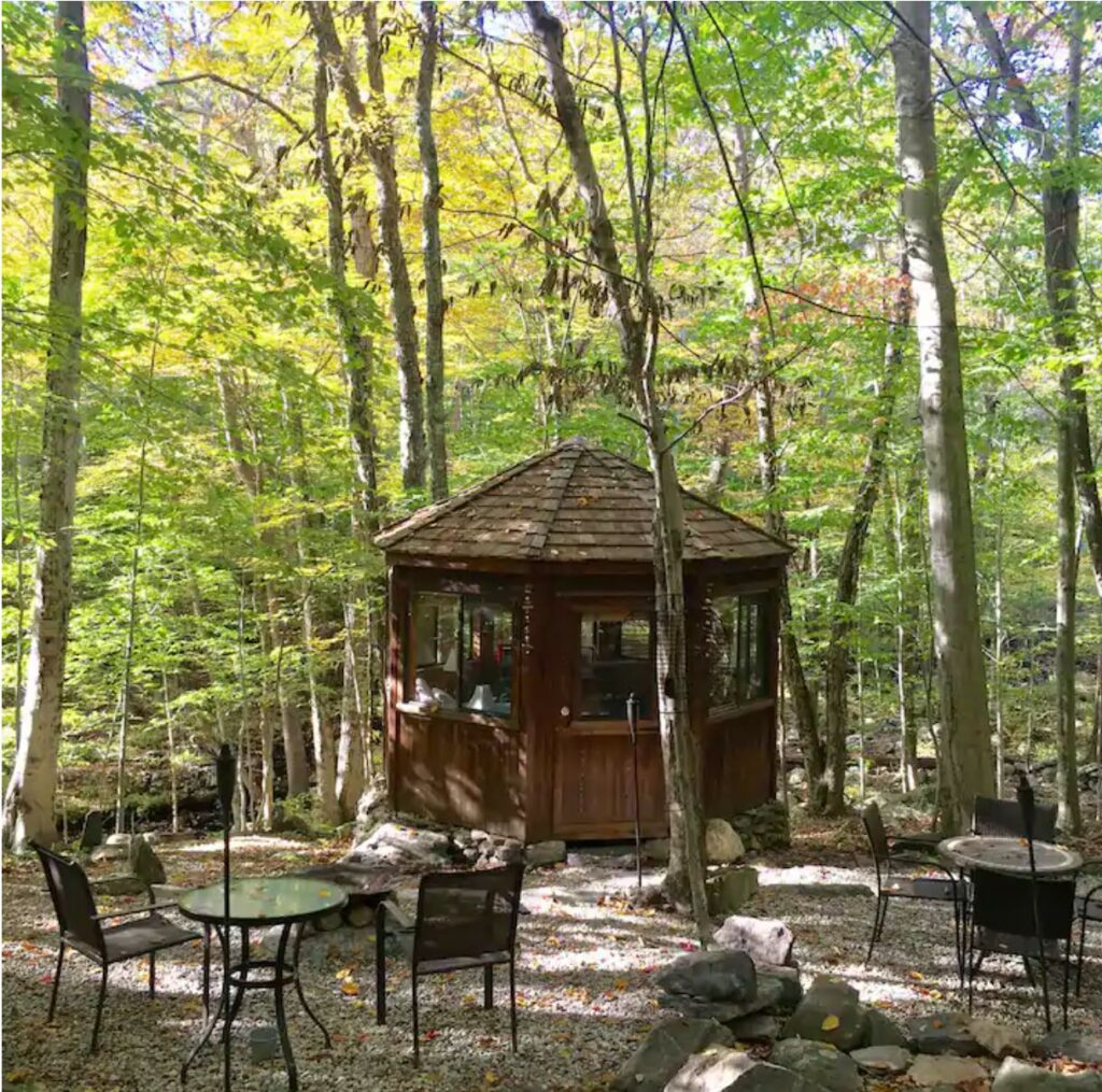 Connecticut: Water Forest Retreat -Octagon, Norwich - Unique Airbnb's