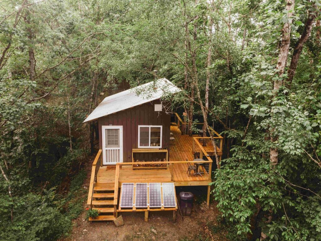 Case Rock Cabin, Kimberly, Alabama - Most Unique Airbnb's in the USA