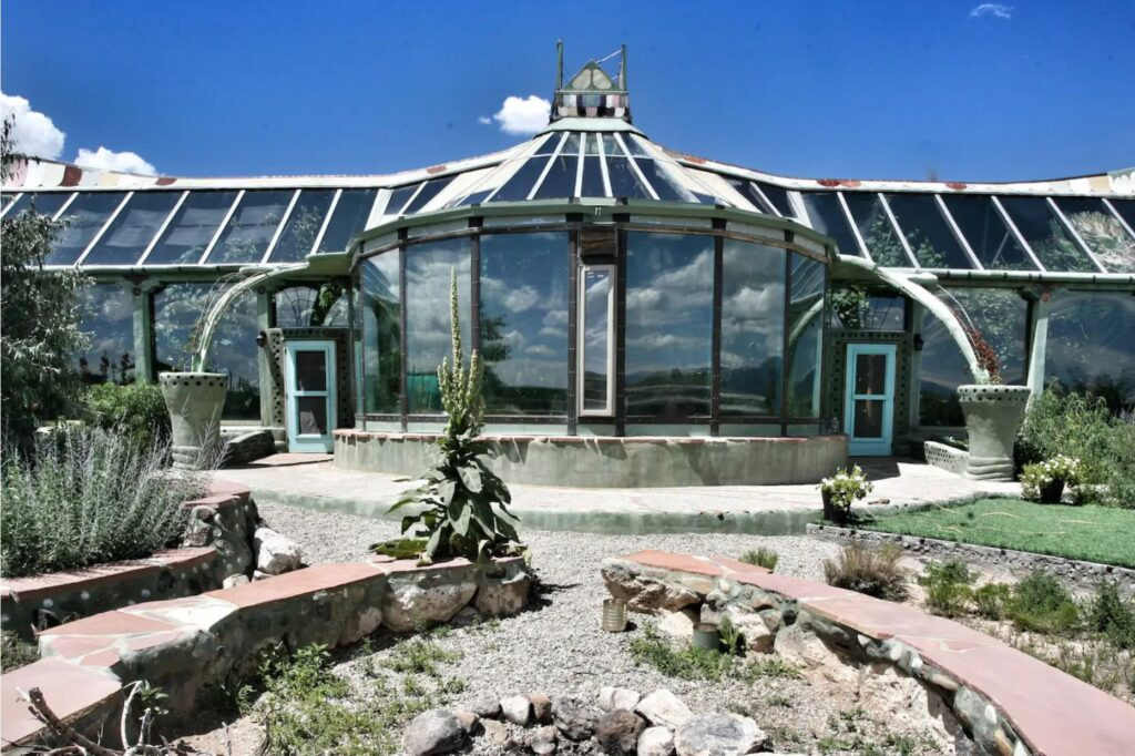Phoenix Earthship - Experience off-grid luxury, El Prado, Texas unique airbnb's