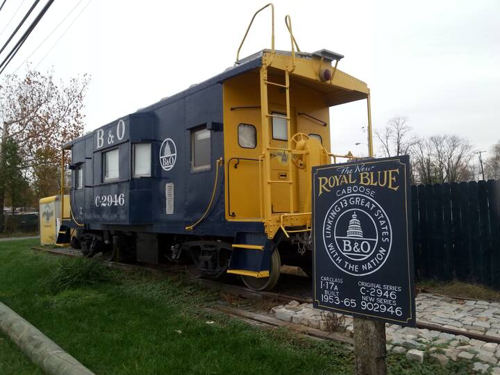 Stay in a caboose in the ROYAL BLUE CABOOSE at Annapolis Junction, Laurel, Maryland - Unique Airbnb's