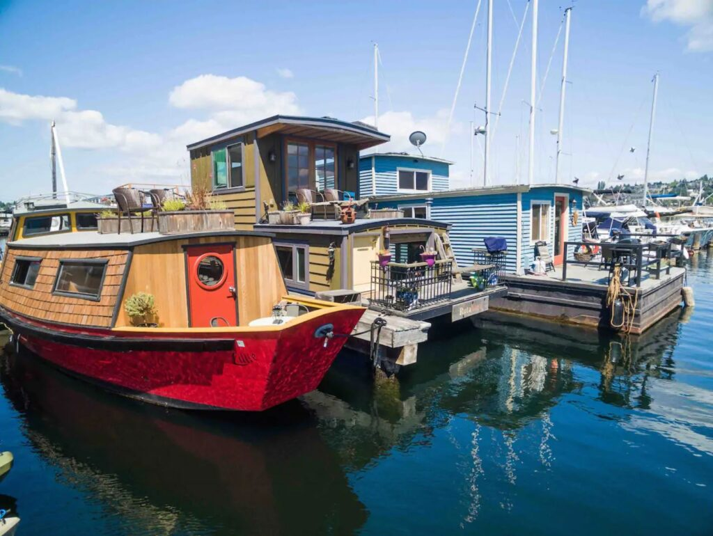 Airbnb houseboat in Seattle, Washington
