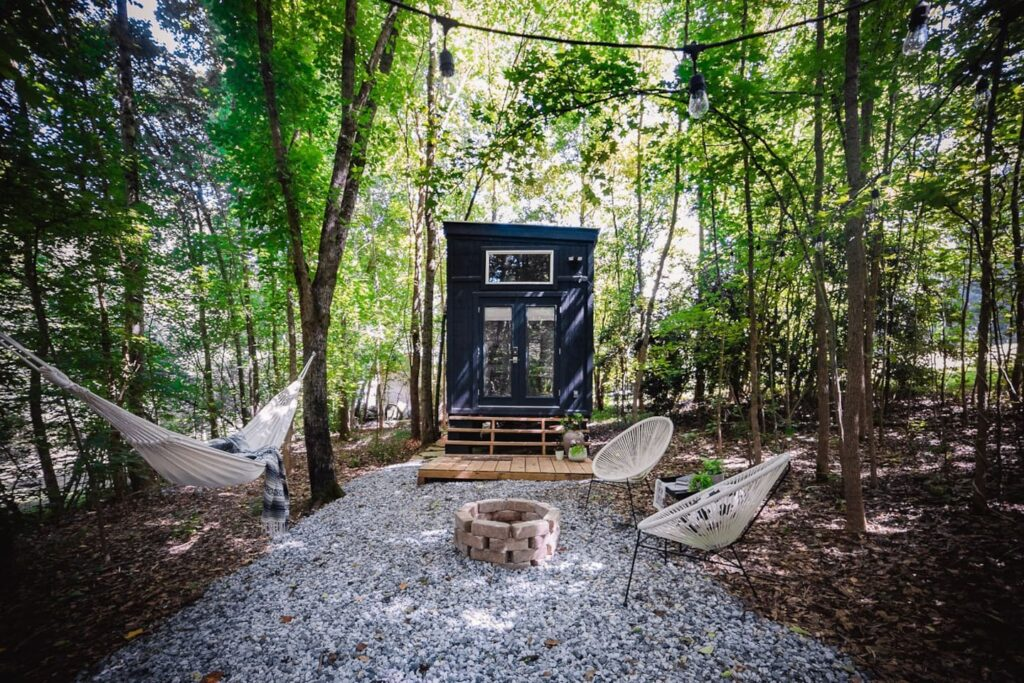 Tiny House on Little Road - Unique Airbnb's - Canton, Georgia